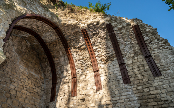 RIQUALIFICHIAMO LE MURA URBICHE: le antiche sostruzioni di Ascoli Piceno